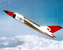 Le Avro CF-105 Arrow en vol. PHOTO : Archives du MDN, PMRC 82 384